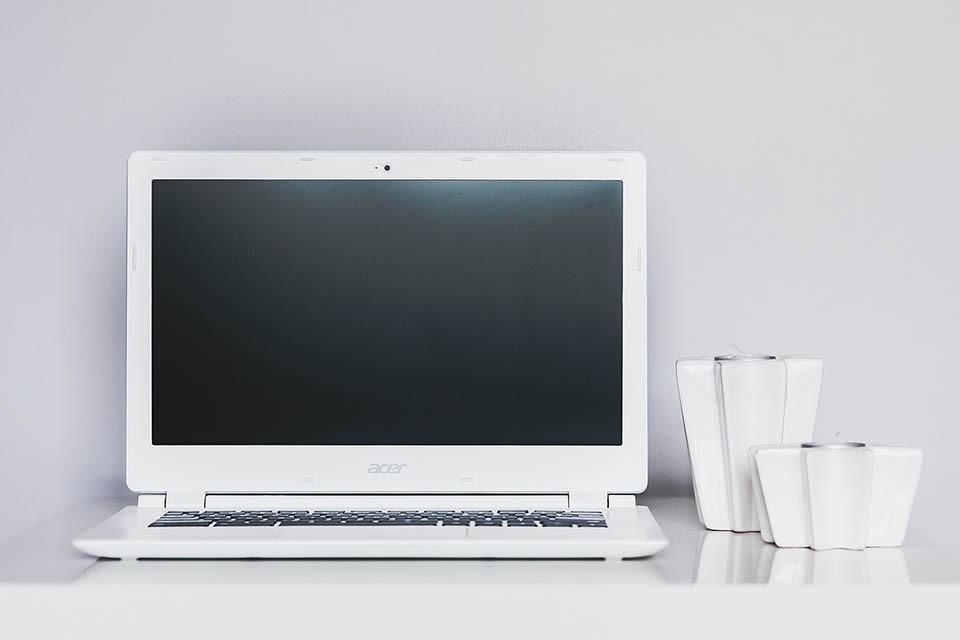 筆電無法開機時,asus、acer筆電電源燈沒亮跟閃爍有什麼差別?