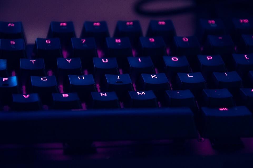筆電鍵盤沒反應、不能打字,失靈原因為何?