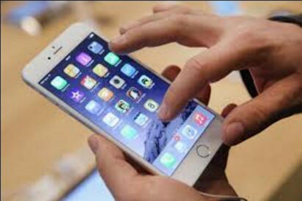 iPhone觸控亂跳,沒辦法選到我要點的東西,怎麼辦?