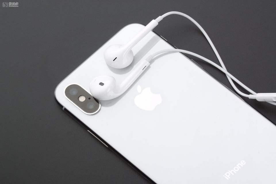 iPhone耳機一邊沒聲音好奇怪!黑盒子告訴你如何iPhone耳機模式維修!