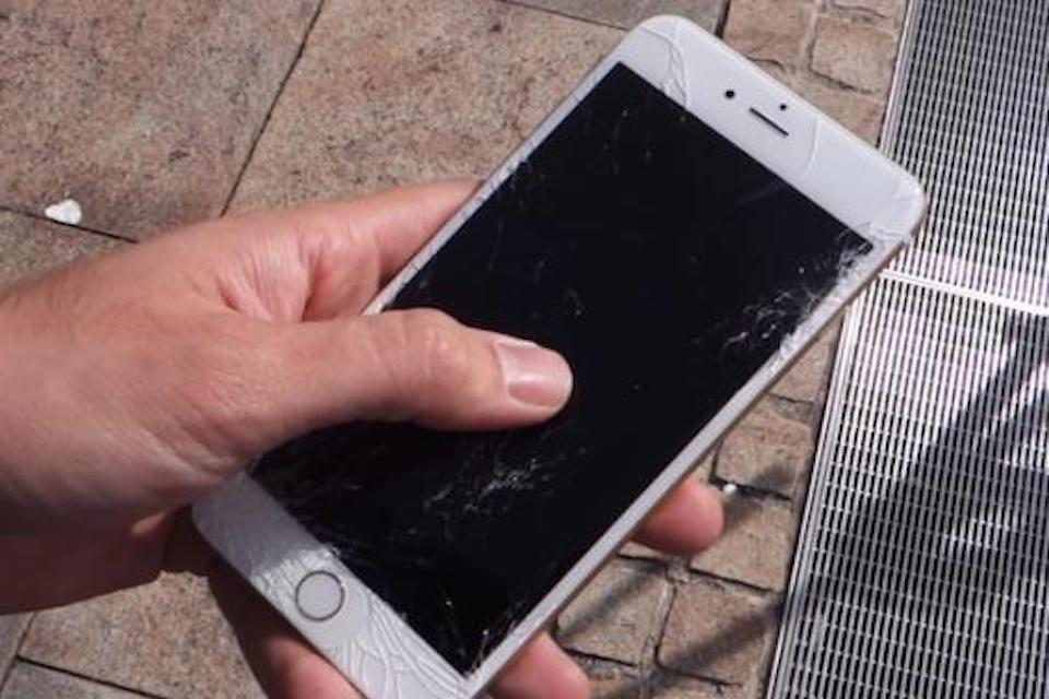 iPhone螢幕閃爍無法觸控,我該怎麼解決?