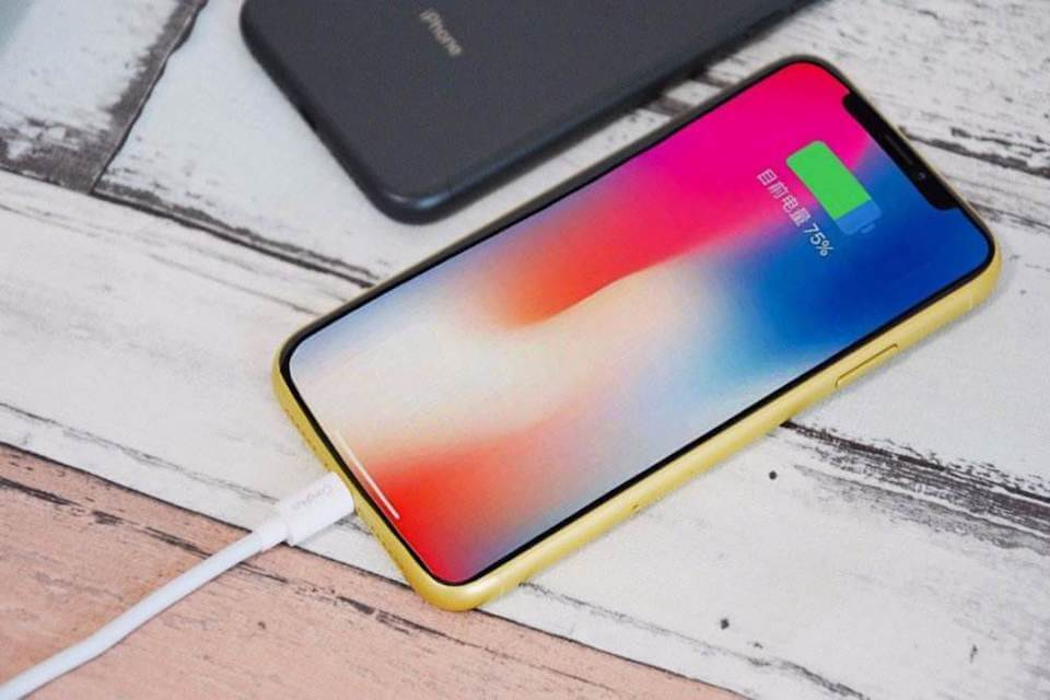 iPhone電充不進去,你的iPhone充電孔該維修了!