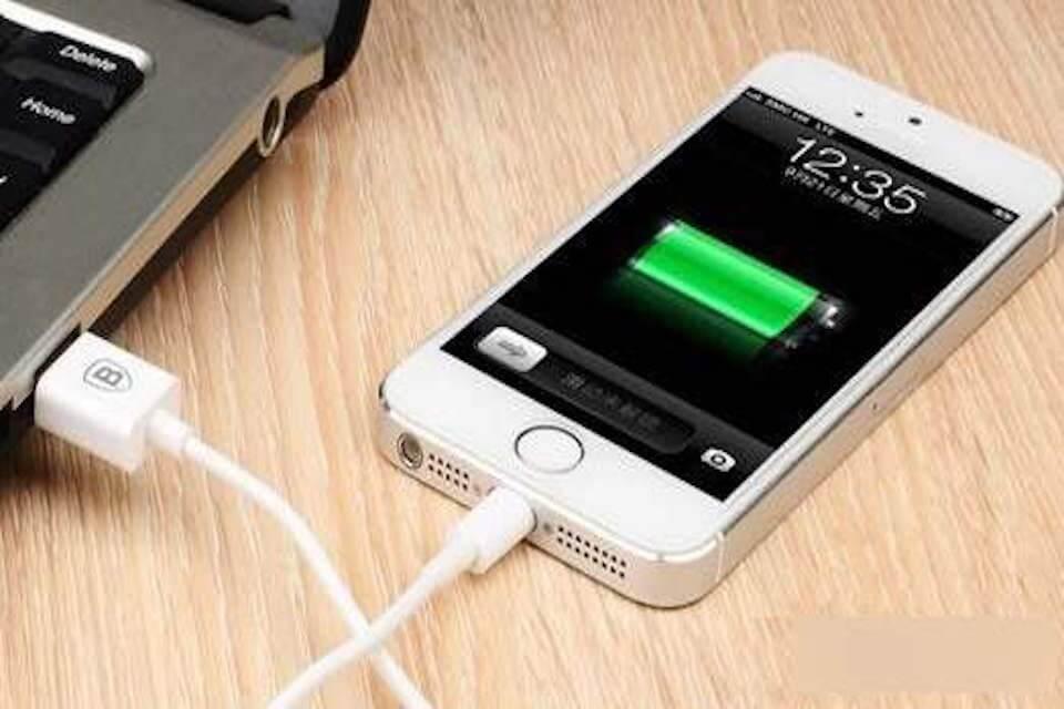 iPhone有充電符號無法充電,我的iPhone充電孔壞掉,該修理了嗎?