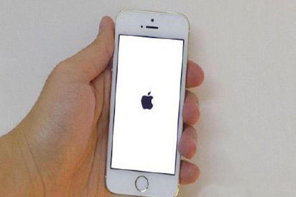 iPhone死機自救法,學會這招立刻喚醒你的愛機