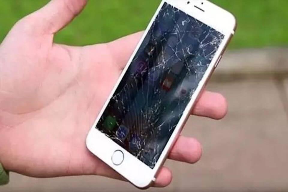 iPhone螢幕破裂,維修該備份嗎?